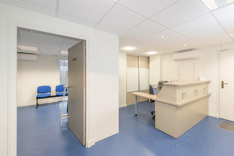 visitez le cabinet de stomatologie du dr baccar orl ans. Black Bedroom Furniture Sets. Home Design Ideas