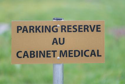 3 places de Parking réservées : 14, 15 et 20